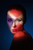 Arbeiten Sie Kunstporträt der eleganten nackten jungen Frau um Stockfoto
