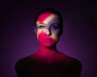 Arbeiten Sie Kunstporträt der eleganten nackten jungen Frau um Lizenzfreie Stockfotografie