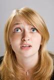 Arbeiten Sie Portrait des schönen blonden Mädchens um stockbild