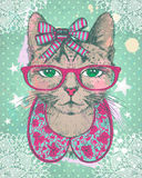 Arbeiten Sie Weinlese grafische Karte mit Hippie-Katzenfrau gegen grünes polks Punkte backrop um Stockbild