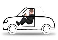 Arbeits-Junge, der unsichtbares Auto auf Weiß fährt Lizenzfreie Stockbilder