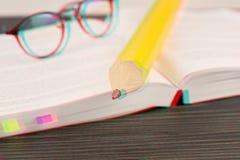 Arbeitsbuch- und Pr?fungsdruckkonzept lizenzfreie stockfotografie