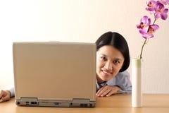 Arbeitsgeschäftsfrau lizenzfreie stockbilder