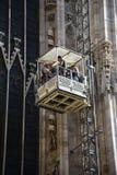 Arbeitskräfte auf Wänden von Duomodi Mailand Lizenzfreies Stockbild