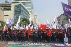 Arbeitskräfte hielten Demonstration in Jakarta an Stockfotos