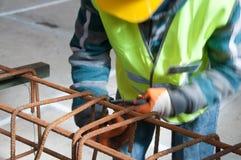 Arbeitskraft auf der Baustelle lizenzfreies stockbild