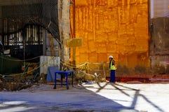 Arbeitsmann auf Baustelle stockbild