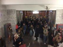 Arbeitstage in Moskau In der U-Bahn Stockfotos