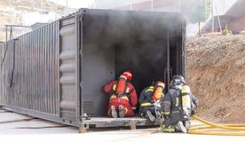Arbeta för brandmän arkivbild