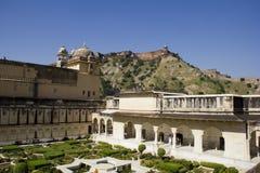 Arbeta i trädgården i bärnstensfärgad Fort på Jaipur, Indien Fotografering för Bildbyråer