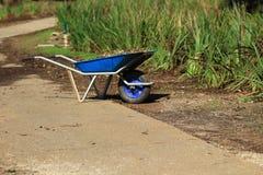 Arbeta i trädgården i gräset för unicycle、snitt i trädgården Royaltyfria Foton