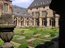 arbeta i trädgården kloster Royaltyfri Bild