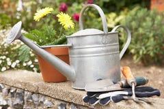 arbeta i trädgården livstid för utrustning fortfarande royaltyfri bild