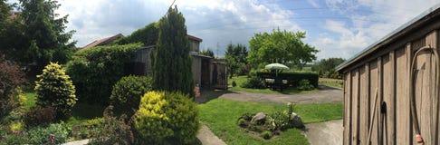 arbeta i trädgården mitt Royaltyfria Bilder
