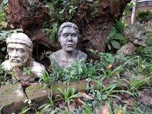 Arbeta i trädgården skulptur Arkivfoto
