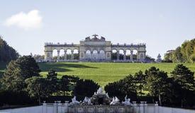 arbeta i trädgården slottschonbrunn Royaltyfri Bild