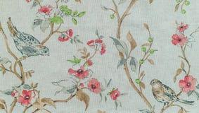 arbeta i trädgården täta blommor för Cherry tulpan för röd fjäder upp white Målningkurser Arkivfoto