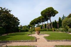 arbeta i trädgården vatican Arkivbild