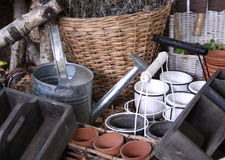 arbeta i trädgården hjälpmedel Arkivbild