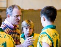 arbeta som privatlärare åt volleyboll Royaltyfri Foto