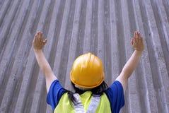 arbetare för konstruktionssignaleringsstopp fotografering för bildbyråer