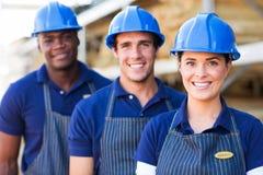 Arbetare för lager för byggnadsmaterial Arkivbild