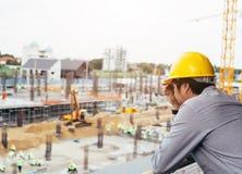 Arbetare i en konstruktionsplats Royaltyfria Bilder