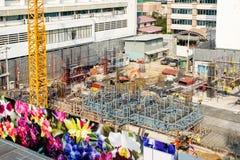 Arbetare och byggnad för konstruktionsbransch Royaltyfria Bilder