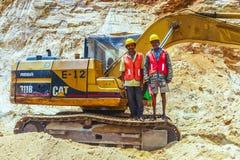 Arbetare på en konstruktionsplats Arkivfoto