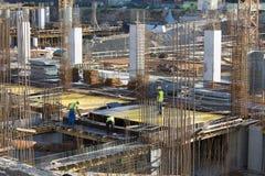 Arbetare på en konstruktionsplats i Bucharest Royaltyfri Bild