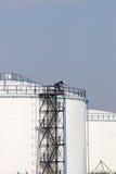 Arbetare på olje- behållare Royaltyfri Fotografi