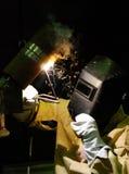 Arbetare-welder tillverkningmetall Royaltyfria Bilder