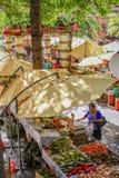 Arbetares för Mercado DOS Lavradores marknad Funchal, madeira Arkivbilder