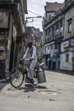 Arbetarklass i Kolkata, Indien Arkivbilder