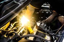 Arbete för auto mekaniker Arkivfoton
