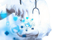 Arbete för medicindoktorshand arkivbilder