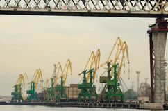 Arbete på hamnstaden Royaltyfri Bild