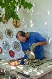 Arbetet av förlagen av krukmakeriseminariet på forntida teknologi på en cirkel med ettfungeringsdrev Royaltyfria Bilder