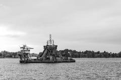Arbetet för lokalvård för portkanalflodbädd Fotografering för Bildbyråer