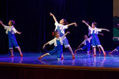 Arbets- akademi för härlighetPekingdans som graderar för barn` s för prov den utstående utställningen Jiangxi för prestation för  Royaltyfria Bilder