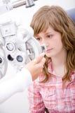 arbets- oftalmologitålmodig royaltyfri fotografi