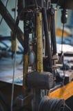 Arbetshjälpmedel som hängs i ett seminarium Arkivfoto