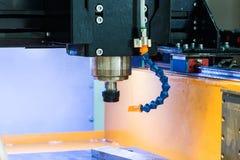Arbetsområde av den moderna CNC-malningmaskinen industriell abstrakt bakgrund Royaltyfri Bild