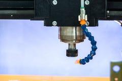Arbetsområde av den moderna CNC-malningmaskinen industriell abstrakt bakgrund Royaltyfri Foto