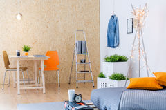 Arbetsplats för hem- idérik affär Arkivfoton