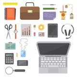 Arbetsplats med mobila enheter och dokument Personligt kontor och uppsättning för affärssymbolsvektor arbetstabell med grejen vektor illustrationer