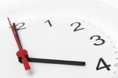 Arbetstid för affär för visning för klockaframsida Royaltyfria Bilder
