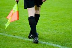 Arbitro di gioco del calcio o di calcio Fotografia Stock