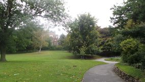 Arboreto admitido árboles Nottingham Reino Unido Imagen de archivo