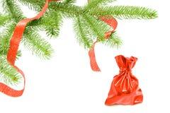 arbre conferous de cadeaux de chrismas dessous Photo stock